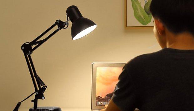 Cách lựa chọn đèn led chống cận để bàn chất lượng