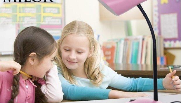Lời khuyên nên chọn đèn bàn học sinh của một phụ huynh