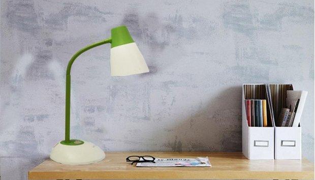 Cách đặt đèn bàn học led đúng cách cho trẻ