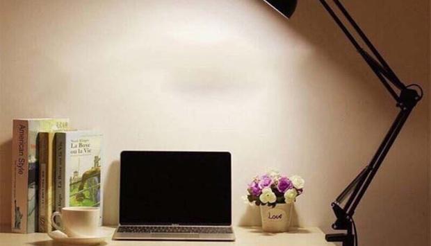 Lưu ý khi sử dụng đèn để bàn làm việc